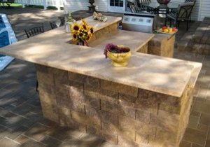 outdoor-kitchen-bar